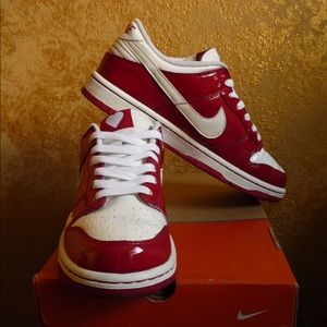 Nike Shoes - Special edition Nike dunk - rare